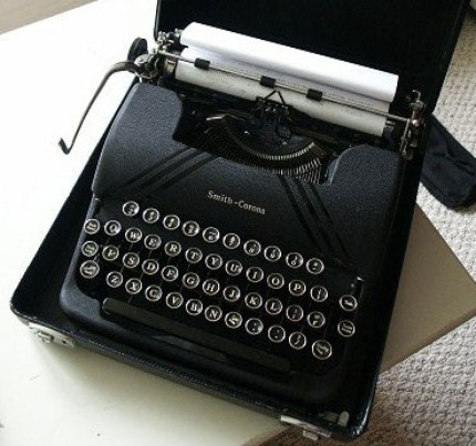Smith Corona Silent Portable Typewriter Tells me What to Think