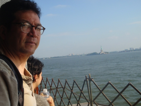 me, lali & statue of liberty