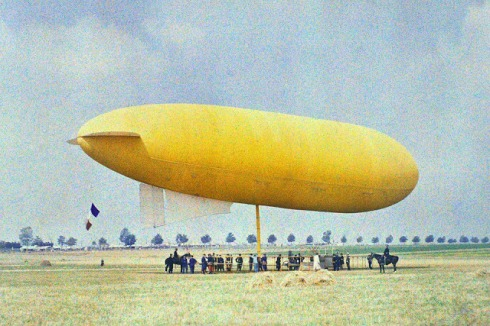 yellow blimp paris 1900