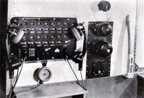 navigation-room-telephone